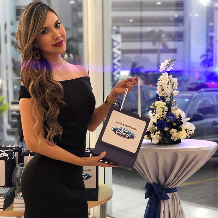 agencia-mad-9-promocionales-ford-noche-dinners-min